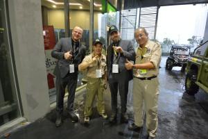 FatPony-herrerne med eventmanager Luis Wee og racedirector Thomas Foo.
